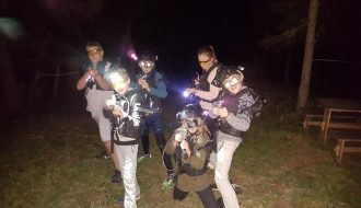 Laser Spiel Nachtgefecht mit der ganzen Familie